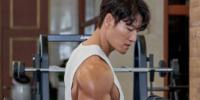 Kim Jong Kook de 'Running Man' logra el botón plateado de YouTube con un video