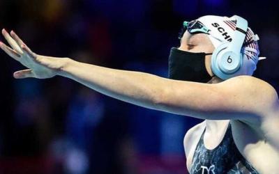 La nadadora Sierra Schmidt baila 'Cheer Up' y 'LIKEY' de TWICE en sus pruebas para los Juegos Olímpicos