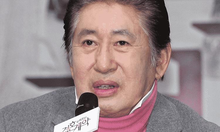 Pareja del actor Kim Yong Gun lo acusa de abusar verbalmente de ella